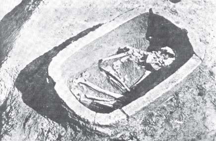 Kubur Batu berisi Kerangka