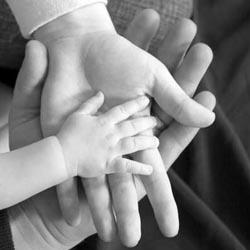Sejak lahir, manusia sudah ingin melakukan interaksi