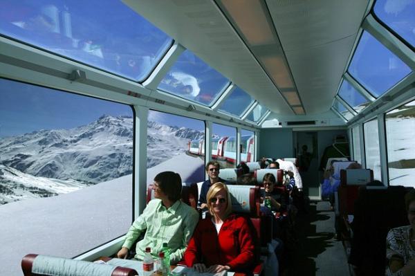 Turis di Pegunungan Alpen